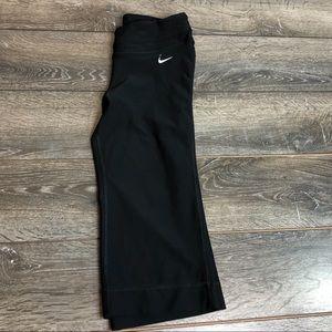 Nike dry fit size xs crop pants